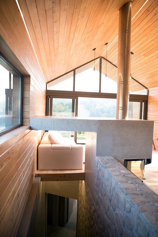 Complexul-eco-turistic-montan-Valley-21-Vama-Buzaului,-interior-case-ecologice