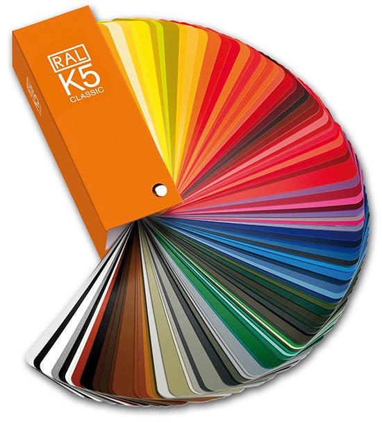 alege-culoarea-tavanului-in-functie-de-design