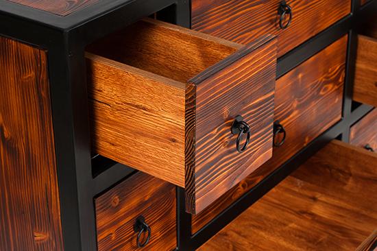 detaliu-sertar-comoda-lemn-brad