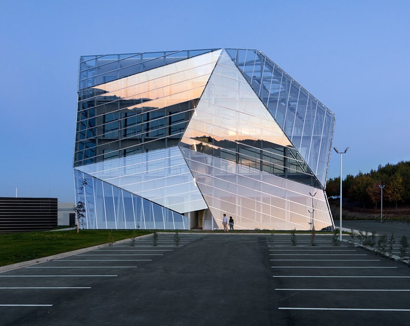 Fatade-double-skin-E8-Building-Vitoria-Gasteiz-Spain-Architect-Coll-Barreu-Arquitectos